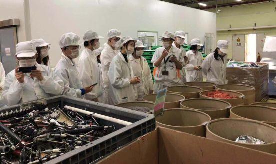 为实现零废弃,我们一直在努力   记交大A-Level资源循环工厂研学活动