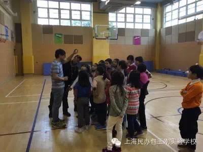 青海玉树康巴藏族孩子将来包校演出