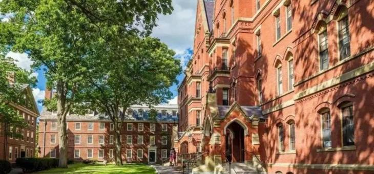 忙不过来!哈佛、布朗等多校申请爆表!斯坦福及八大藤校纷纷推迟放榜!