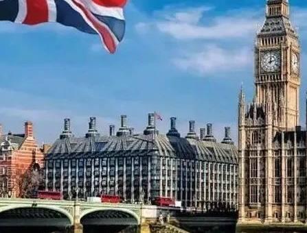 天呐!英国教育部:GCSE数学和英语不及格可能被禁止上大学!