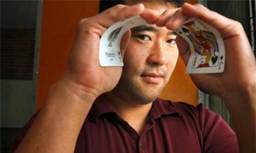 从华裔赌神到商业大咖,MIT数学天才曾狂捞千万美金被百家赌场封杀……