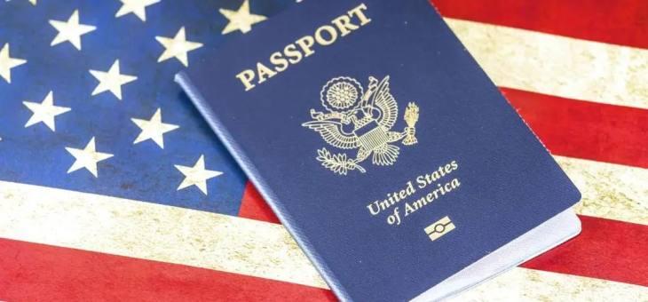 一票难求!赴美留学大军在机场排千米长队,10W一张机票你能hold住吗?!